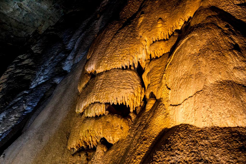 Jaskinia Bielańska - fragment wodospadu