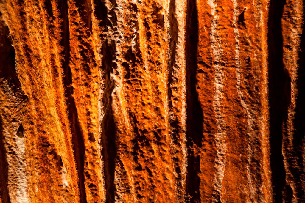 Jaskinia Domica - kolor skał. Naprawdę taki był...