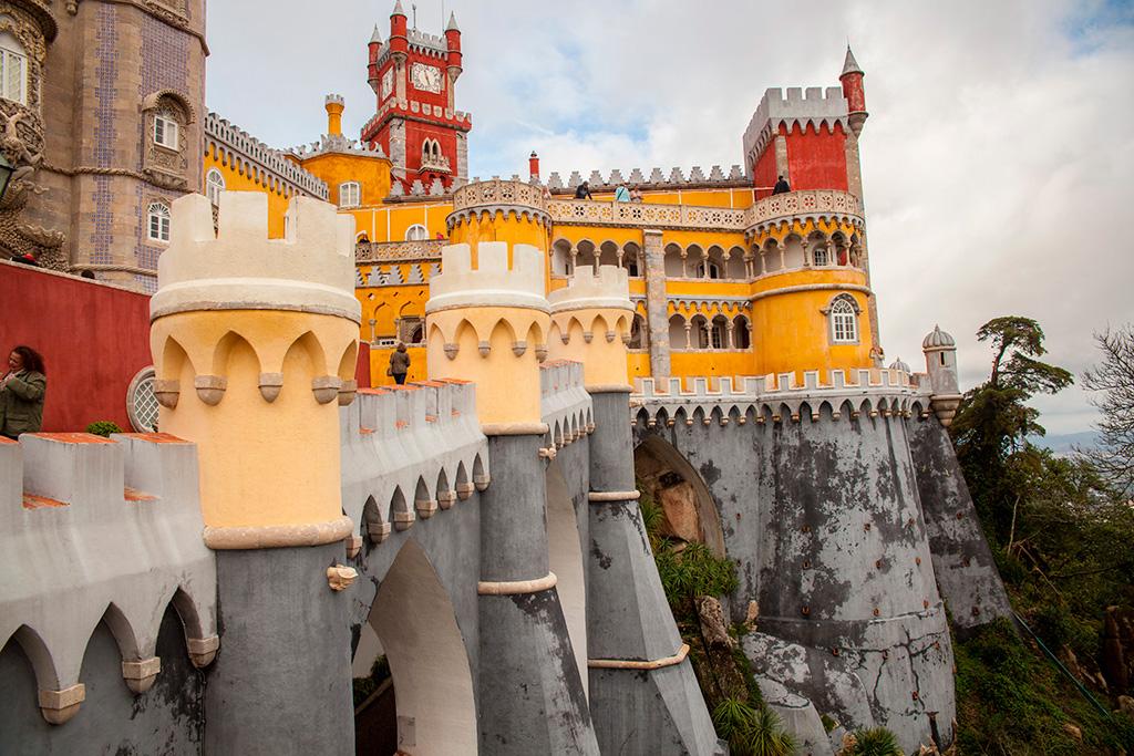 Pałac Pena - naprawdęjest taki kolorowy :)