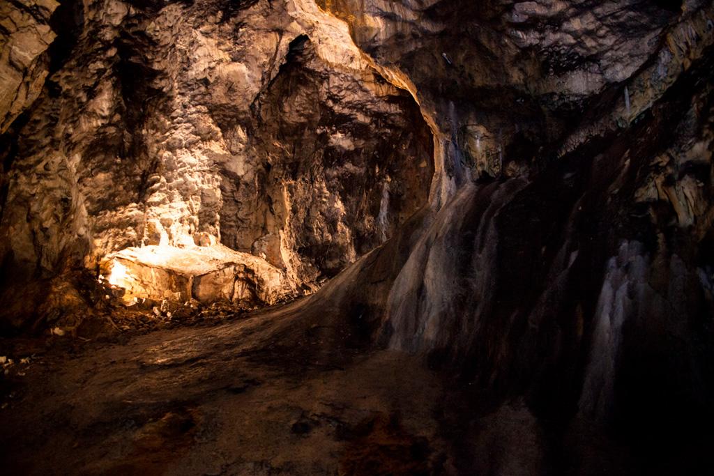 Demianowska Jaskinia Lodowa - piękne wnętrza