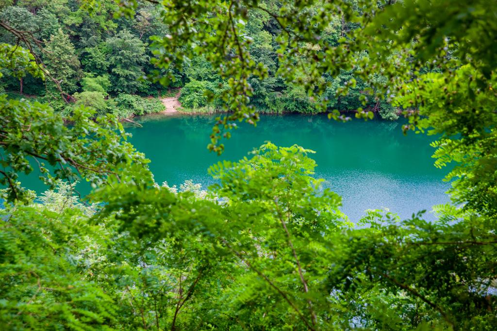 Jakie skarby kryje pod wodą to tajemnicze jezioro?