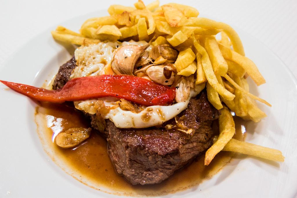 Azory kulinarnie - wiemy co zjeść: steki!