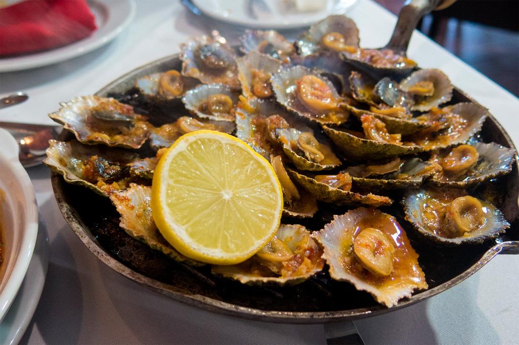 Azory, dobre jedzenie: lapas grelhadas