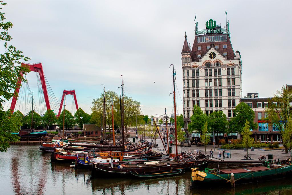 Rotterdam to liczne małe i duże porty