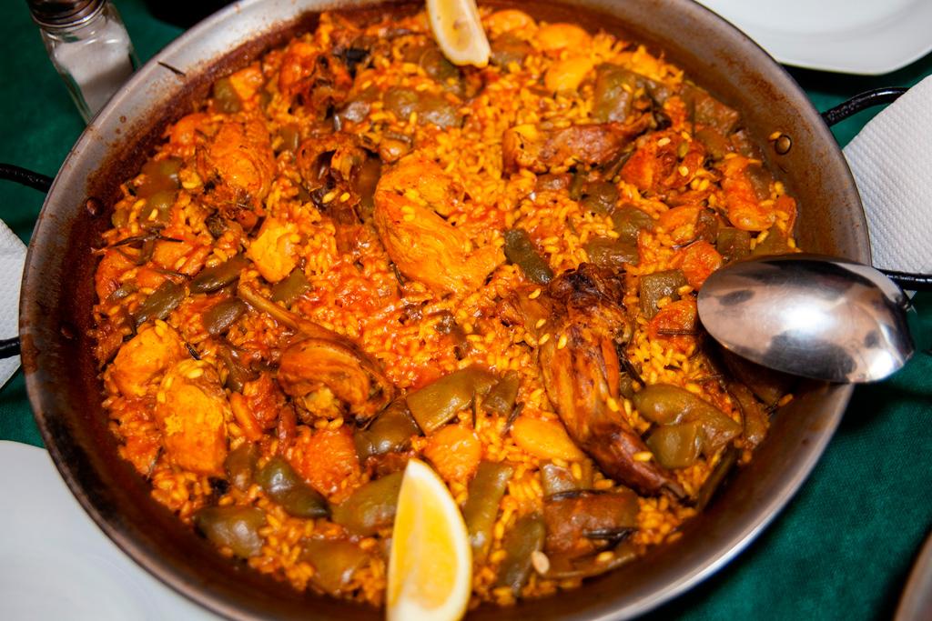To w Walencji trzeba zjeść koniecznie! Paella valenciana.