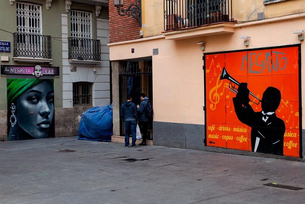 Walencja – sąsiadujące bary Negrita i Negrito