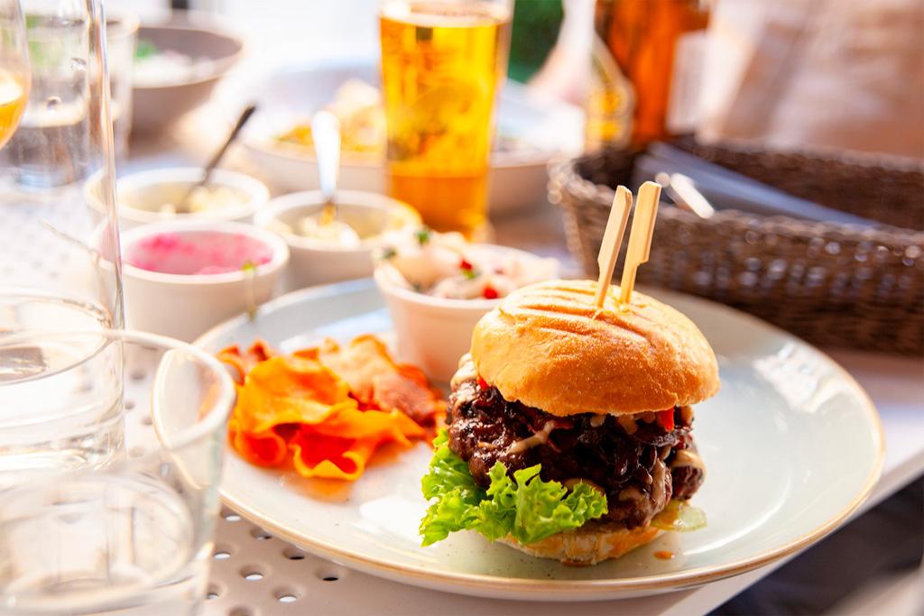 Nietypowa kuchnia bałkańska - burger
