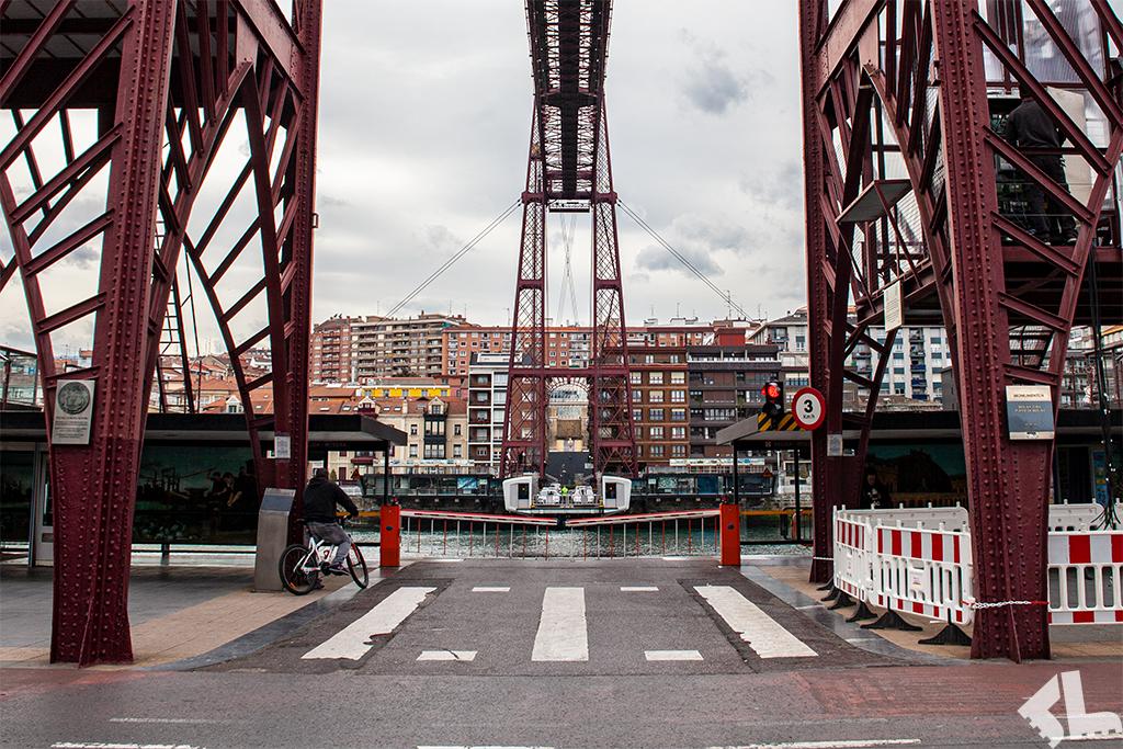 City break z wyjątkową atrakcją – most gondolowy