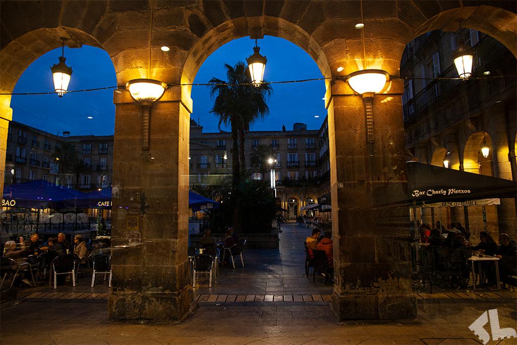 Plaza Berria o zmroku