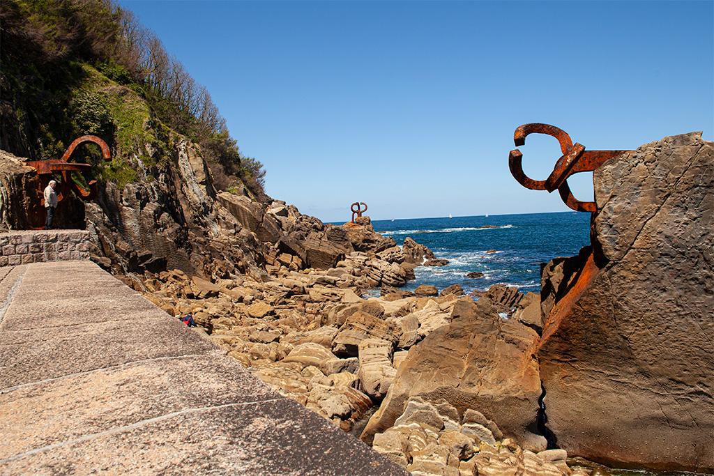 San Sebastan, co zobaczyć? Rzeźby o nazwie Grzebień Wiatru