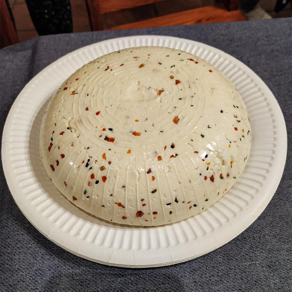 Warsztaty serowarstwa – ser typu korycińskiego tuż po zrobieniu