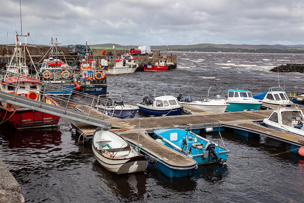 Port w Bowmore. Wieje 8B