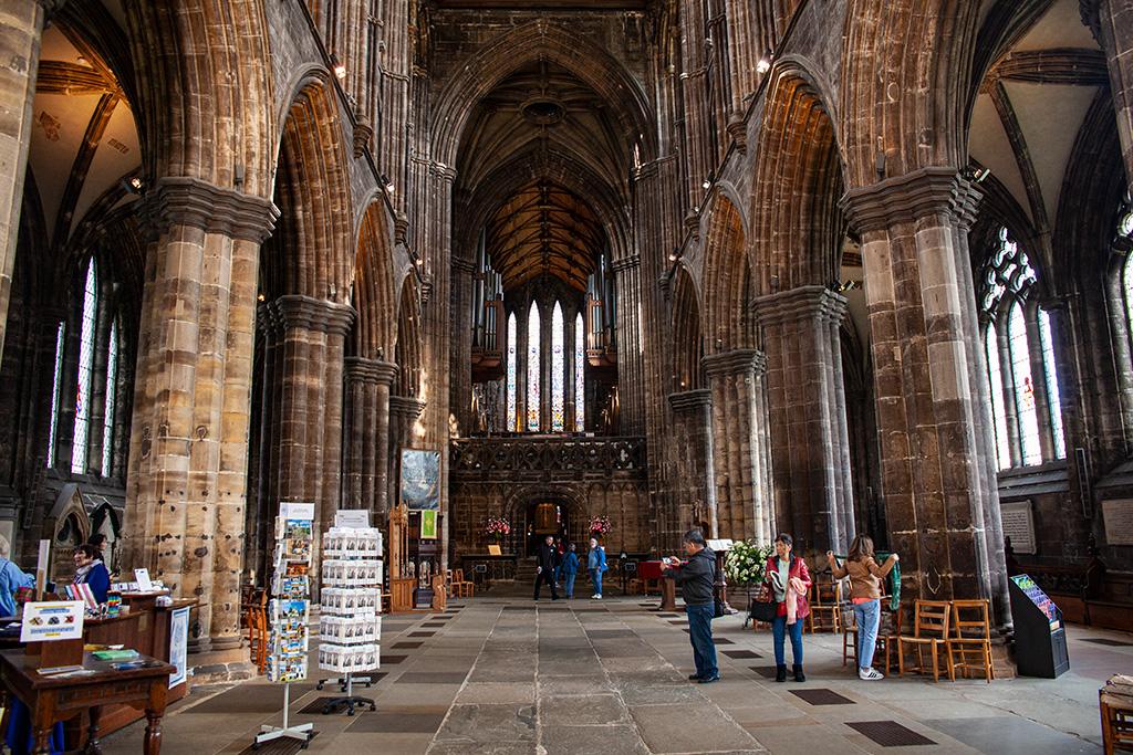 Co zobaczyć w Glasgow? Wnętrze katedry