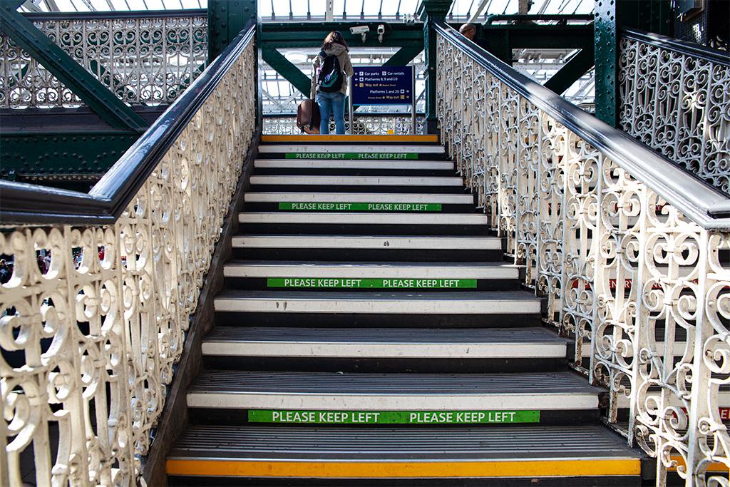 Co zobaczyć w Edynburgu - dworzec kolejowy Waverley Station