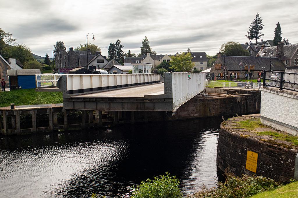 Obrotowy most