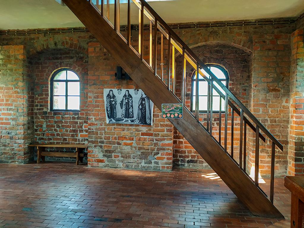 Zamek w Czersku – wnętrza