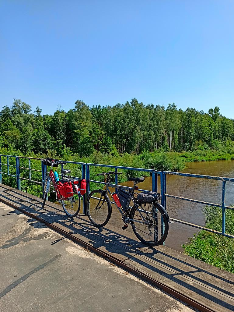 Rowerem nad Liwcem – most na rzece