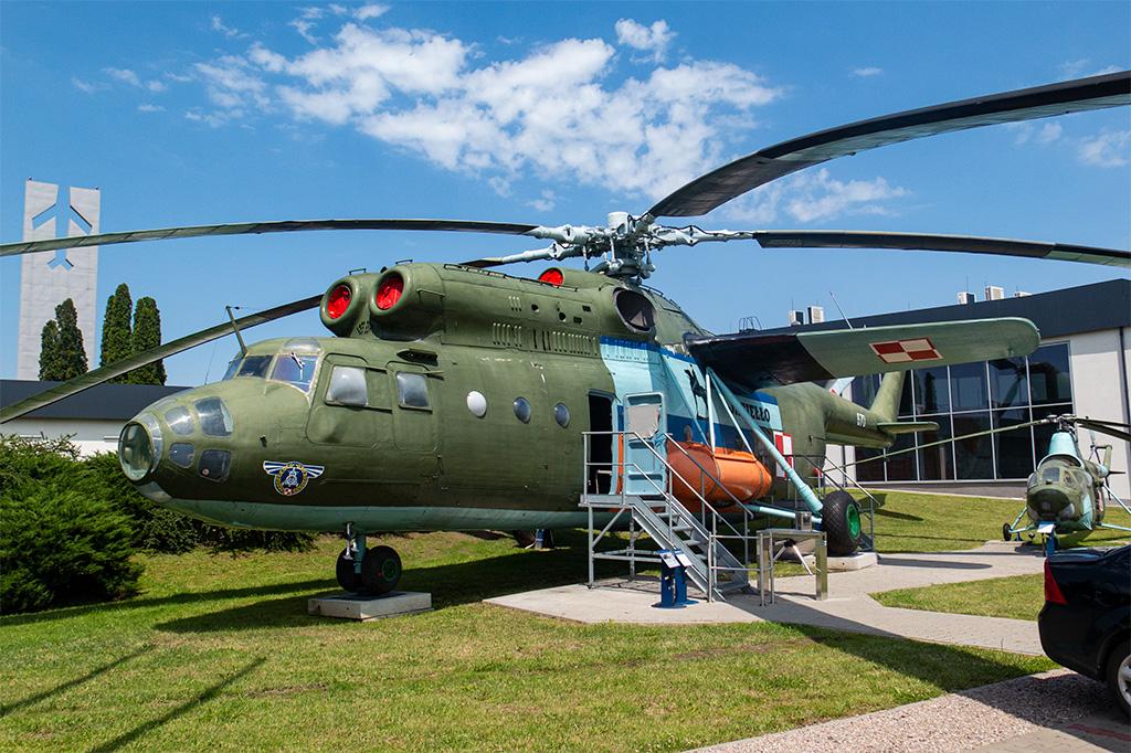 Muzeum Sił Powietrznych w Dęblinie – śmigłowiec Mi-6A
