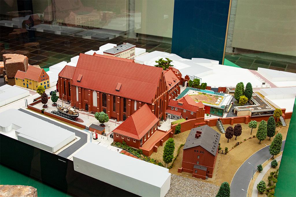 Stralsund –Muzeum Morskie jest urządzone w dawnym klasztorze