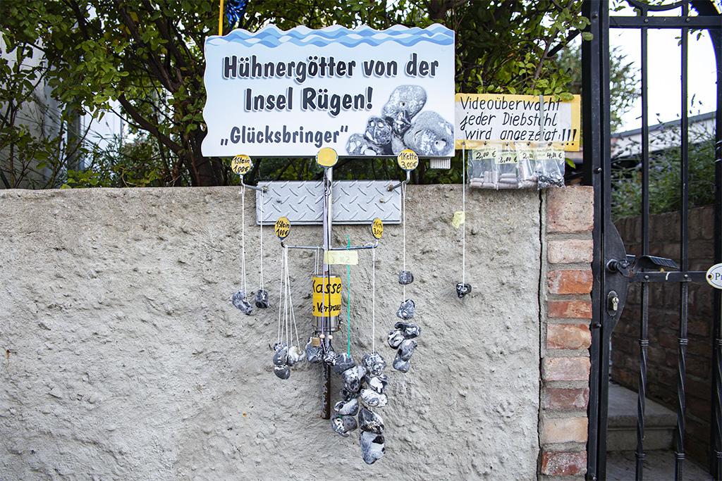 Kamienie kredowe z dziurkami można też kupić w Sassnitz