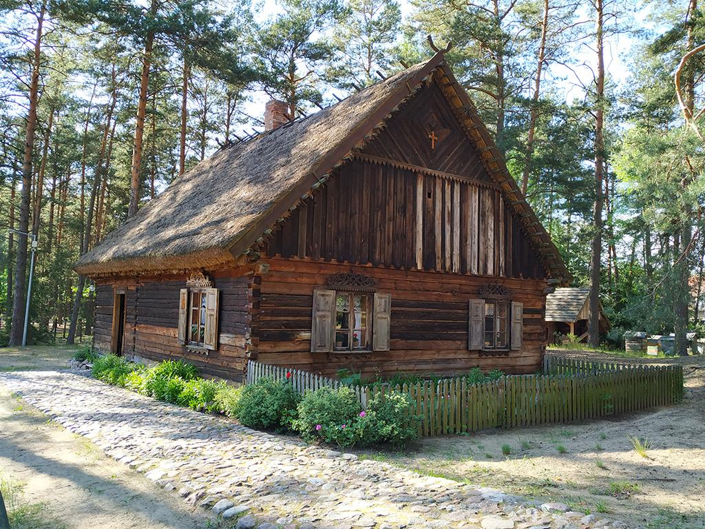 Jedna z chat w Zagrodzie Kurpiowskiej