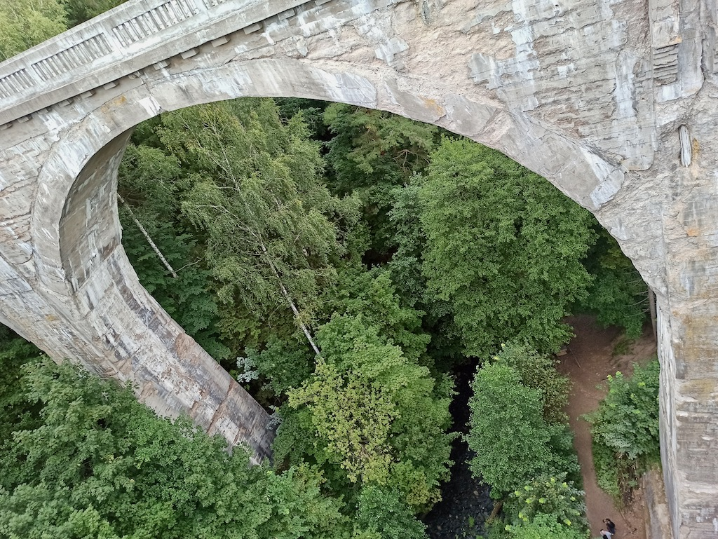 Hańcza z Nurkersami – widok z jednego z mostów w Stańczykach na drugi
